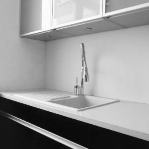 glazen keukenwand grijs